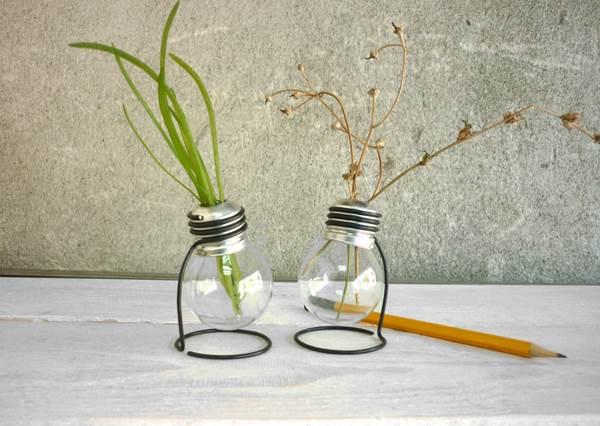 燈泡不只能發亮,還能種植物? DIY「燈泡花瓶」其實只要3步驟,以後不要再亂丟愛迪生的發明啦!