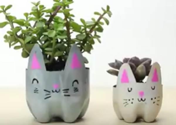 讓喵星人攻佔你的心!超可愛療癒系「貓咪盆栽」,其實用寶特瓶就能輕鬆DIY