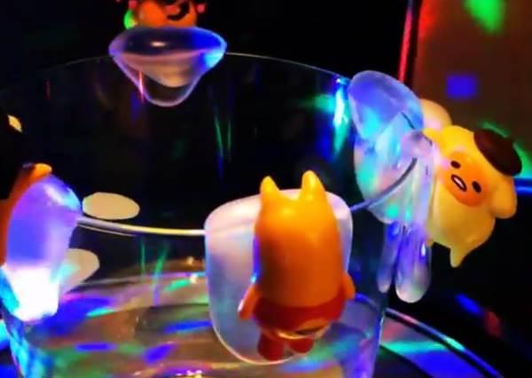 不要以為戴上蝴蝶結就能變Kitty! 會變裝的蛋黃哥杯緣子,哪個最無違和感?