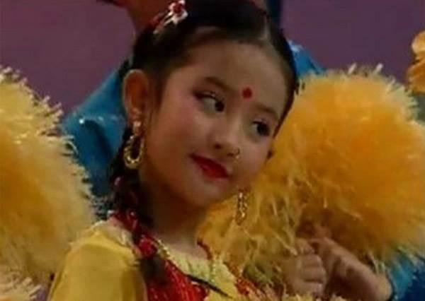 「仙氣」果然是天生!劉亦非兒時舞蹈影片曝光,從小就用氣質稱霸舞台!