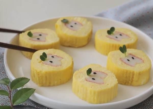 煎蛋好吃還不夠!只要多加一個步驟,可愛到超犯規的「小蘋果版」玉子燒輕鬆做