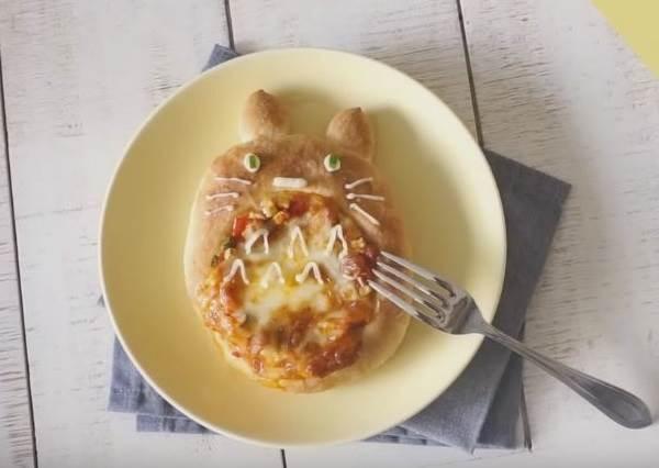 只要會揉三個橢圓就差不多了? 可愛版《龍貓Pizza麵包》帶你瞬間回到童年!