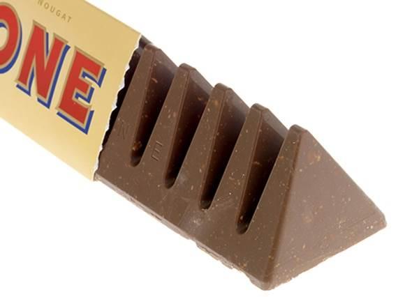 三角巧克力原來要這樣吃才正確阿...其實三角造型早就告訴我們答案了!
