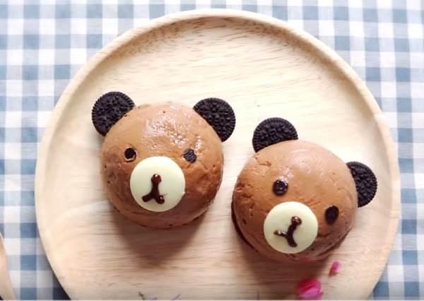 手藝比不過,但外型絕不能輸!DIY《熊熊巧克力慕斯蛋糕》令網友瘋傳的「爆可愛捨不得吃甜點」