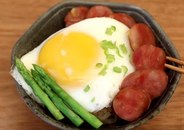黯然銷魂香腸飯 Steamed Rice with BBQ Sausage