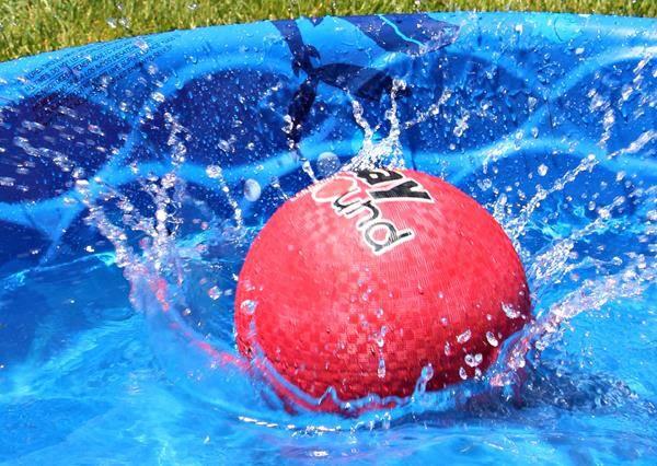 創意新玩法!夏日新式壘球,就是要這樣玩才夠味