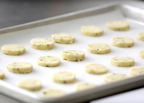 餅乾就是要圓圓的才可愛,只不過要如何才能讓餅乾變成美麗圓型,這時就讓達人來教你小技巧吧!