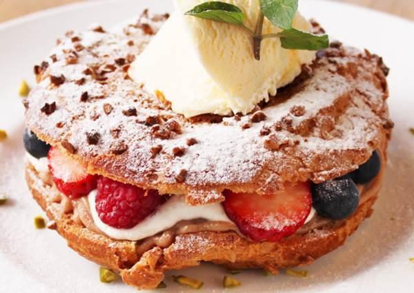 是甜甜圈還是泡芙?顏值超高的「草莓Cream甜點」,簡化教學只要3步驟!