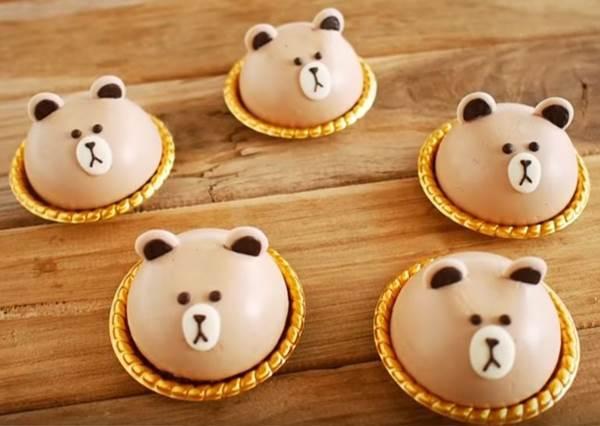 五官比例畫對了就完成一半!萌到捨不得吃的「熊大慕斯蛋糕」你也能在家看食譜做