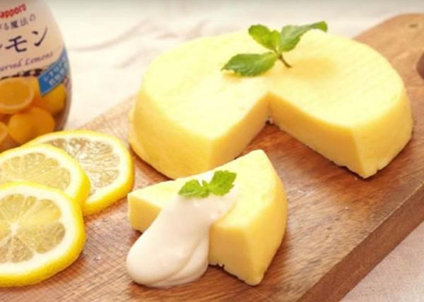 食材一次攪拌後再微波就完成?!新手入門款「檸檬起司蛋糕」,就算你想要失敗也難