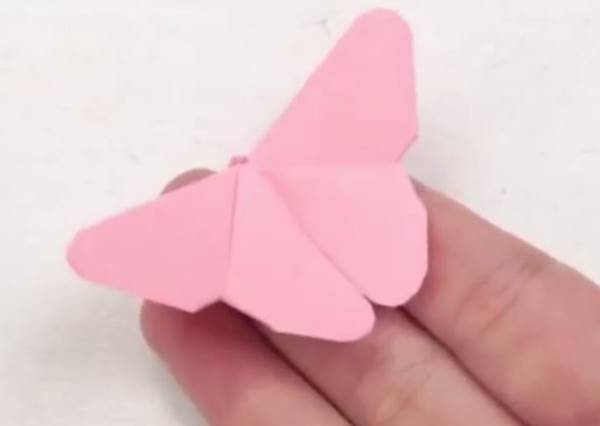 一分鐘學會!便條貼摺出絕美小蝴蝶