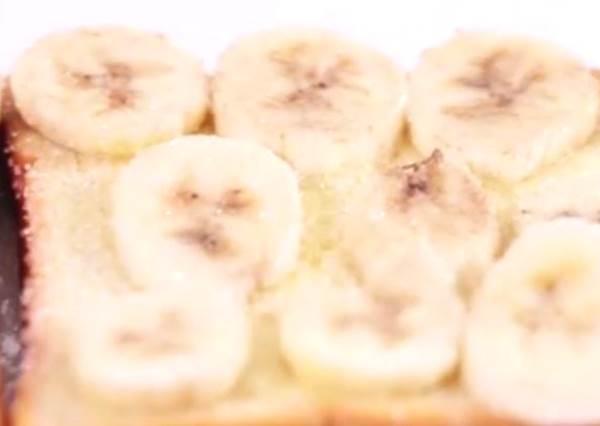 早起10分鐘就能吃到!超誘人香酥香蕉奶油吐司