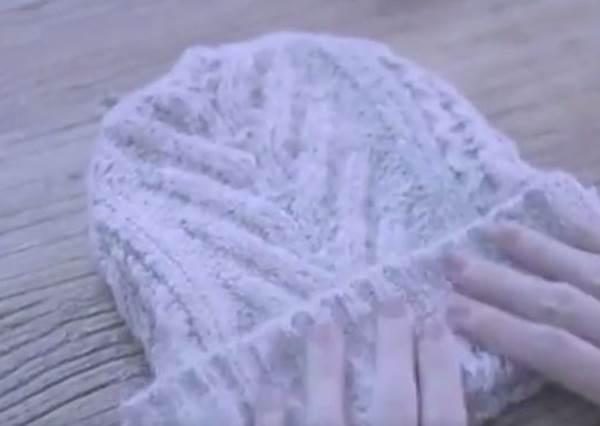 手殘星人也能做!1件舊毛衣改造成3種暖身小物