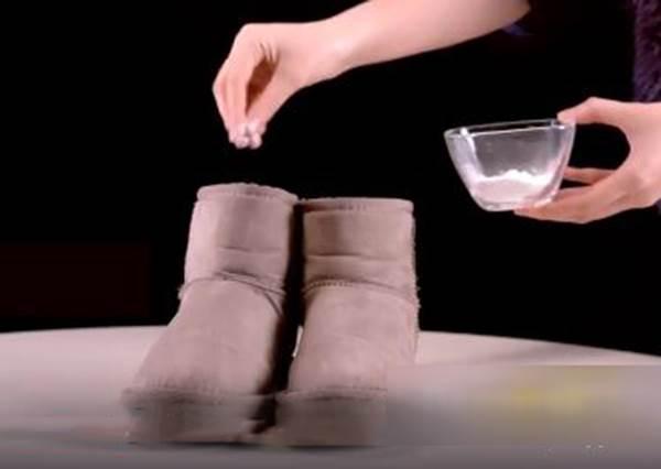 橡皮擦就能擦掉髒汙?雪靴除臭、清潔很簡單