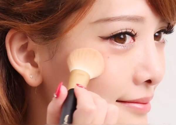 記住簡單4秘訣,打造立體感側臉美女!