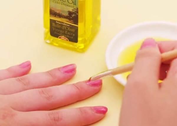 用橄欖油就不必狂揮手?5個極速乾甲小技巧!