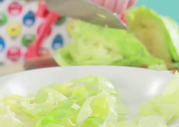 高麗菜如何一秒遍細絲?超強料理秘技大公開