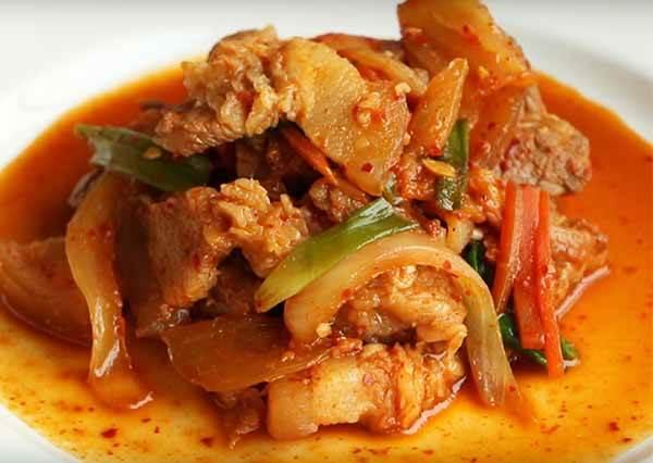 韓式辣炒豬肉 Korean spicy stir fried pork 제육볶음
