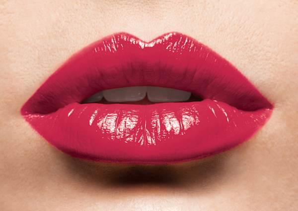 歐美豐唇VS.韓系咬唇 一隻口紅兩種畫法!