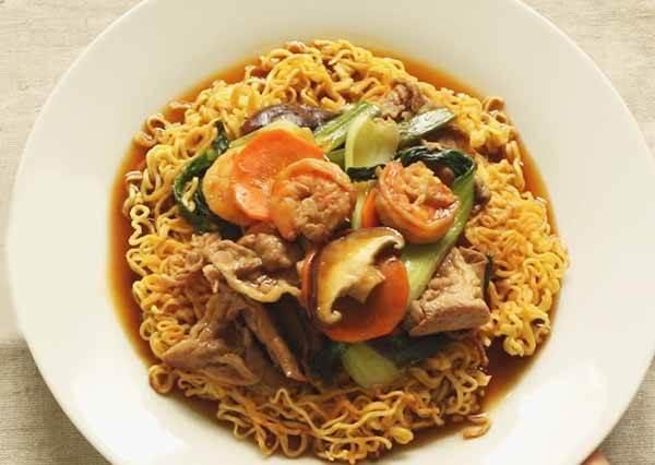 廣東炒泡麵 Hong Kong Style Pan Fried Noodles
