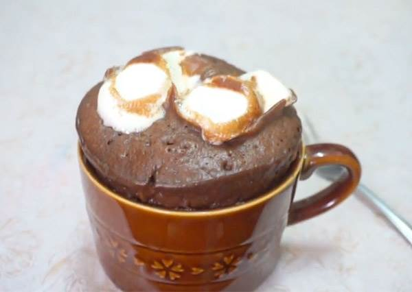 真的只要一個馬克杯!5分鐘Get巧克力蛋糕