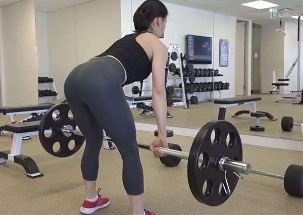 重訓才不會變金剛芭比!5項運動健康甩油10公斤,打造蜜桃臀就要動起來