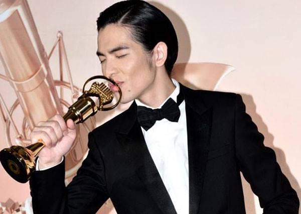 從省話一哥變身金曲歌王,回味蕭敬騰曾經唱過的那些好歌