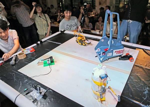 日本不比聰明、就比誰夠廢材,尤其第2組獲勝的機器人絕對讓你掉下巴!