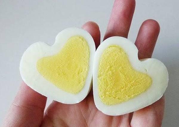療癒系創意料裡!心型水煮蛋做法教給你!