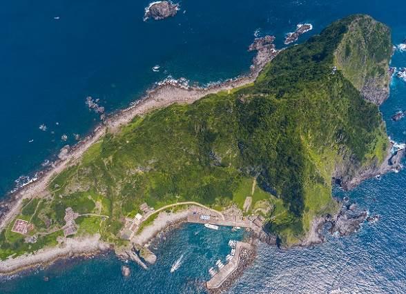 包下豪華遊輪,知名YouTuber三原帶你暢遊基隆八景之一基隆嶼