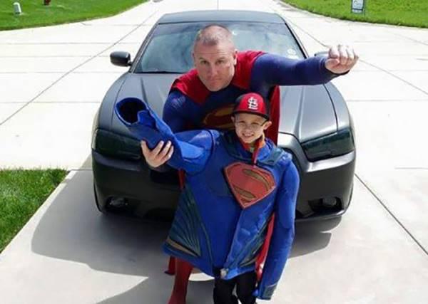 超人在身邊!這幾位老爸根本比會飛的英雄更會救人