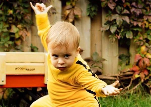 正港龍的傳人!小嬰兒穿上李小龍功夫裝立刻變身武術大師,必殺技難道是把敵人萌哭?!