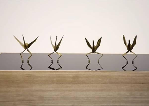 別急著笑長腿紙鶴,下一秒它跳的電音舞曲比謝金燕還更讓你驚訝!