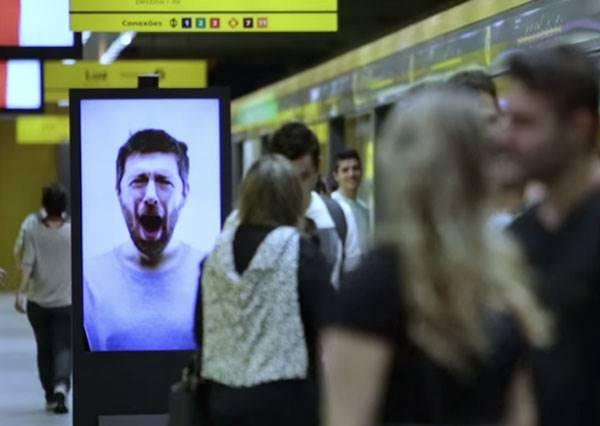 地鐵上的這幅廣告,將證明打哈欠的漣漪效應有多強大!