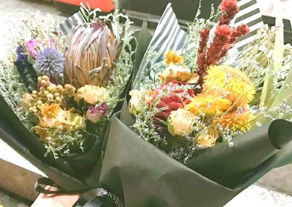 難怪歐巴都這麼浪漫?韓國超方便的「乾燥花販賣機」:滿天星果然最熱賣!
