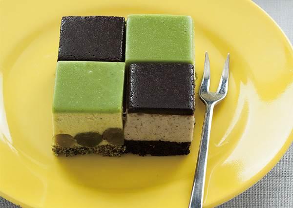 黑芝麻、抹茶都是討人喜歡的口味❤在家DIY日式「幕斯蛋糕」,美味關鍵就在最後一步!