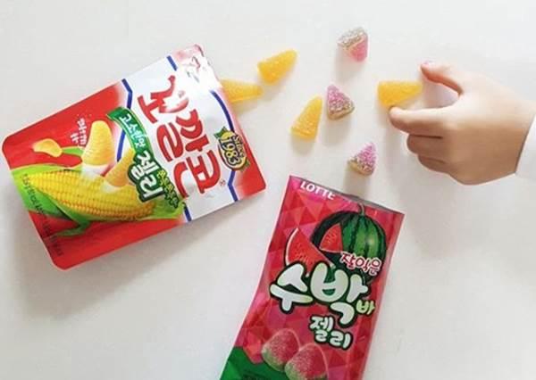 金牛角餅乾軟糖吃起來是什麼味道啊?韓國最新4款軟糖,尤其香蕉牛奶軟糖一定要買!