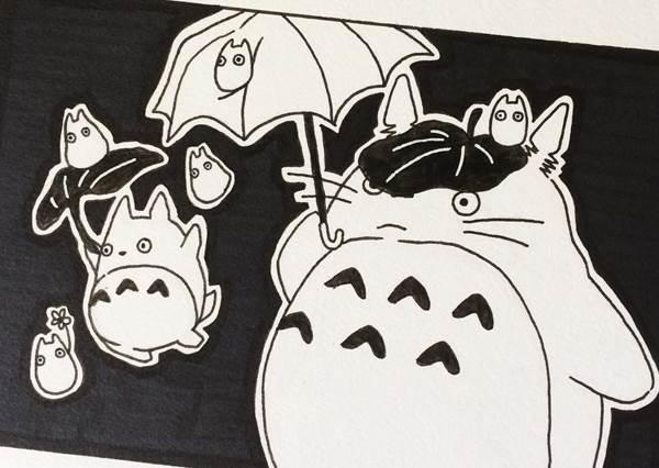 就算是黑白色調的霍爾還是好帥!墨水版吉卜力插畫,果然最能駕馭黑白得還是它...