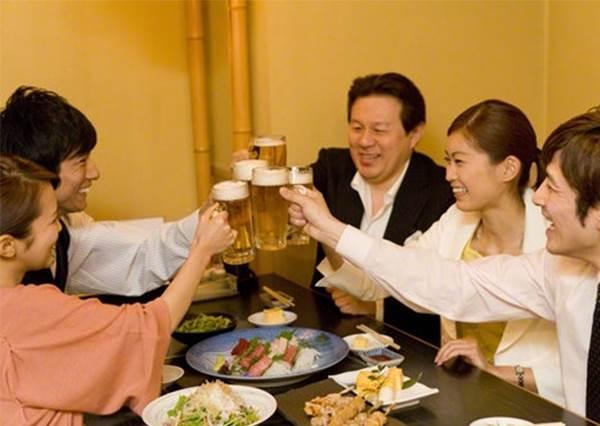 【日本台灣大不同】~潛在日本「酒局」(飲み会)裡的鐵規則