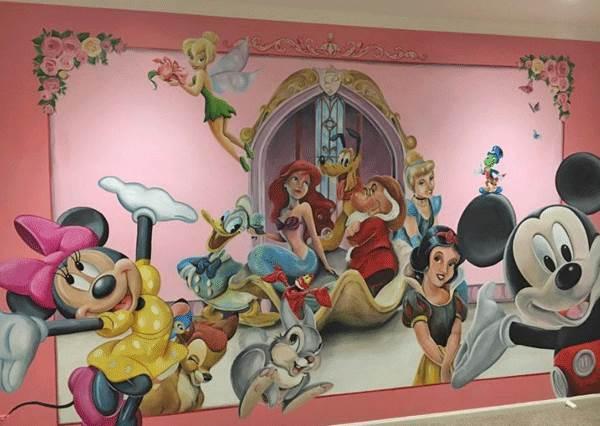有這樣的爸爸,我也要!超猛老爸打造迪士尼主題式房間,睡醒就能看到愛麗兒也太幸福!