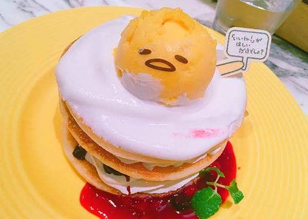 可以看出這次蛋黃哥很用心!日本3大人氣卡通造型餐廳:卡娜赫拉螢光佈置超可愛❤