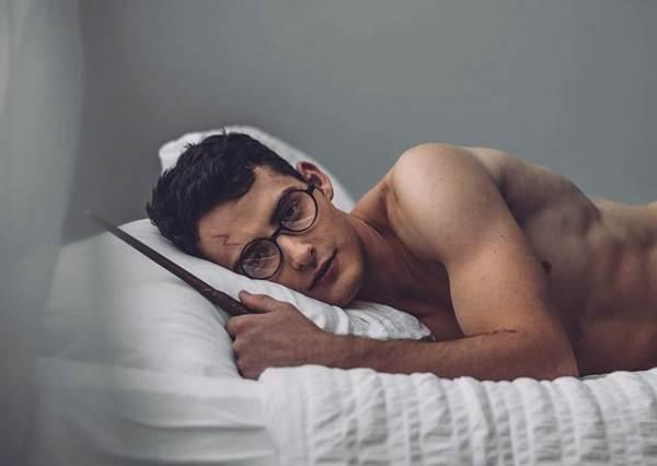就算被你施魔法變麻瓜我也願意♥性感男模拍攝「哈利波特寫真」,這才該是長大後的樣子啊!