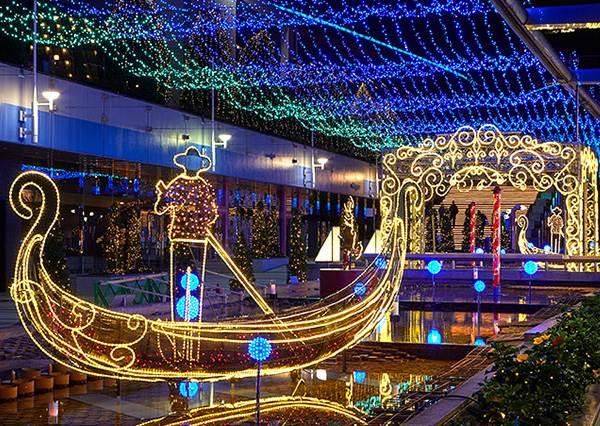 日本竟出現威尼斯運河?日義友好聯手推燈光祭典,還能近距離看不同比例的比薩斜塔!