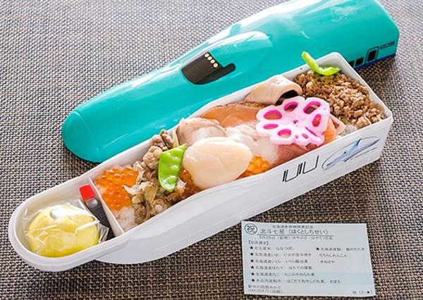 台鐵加油好嗎?北海道新幹線人氣車站便當10選,第一款造型吃完都想帶回家!