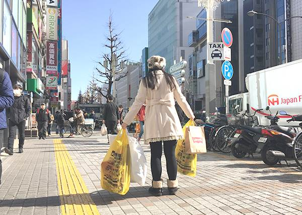 日本觀光新常識!伴手禮買完直接幫你寄回台灣,告訴你「國際空手觀光」服務該怎麼用