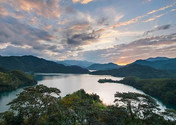 急著出國找美景?全台25個絕美景點全攻略,無料又便宜的天然祕境其實多到很難一一踩點