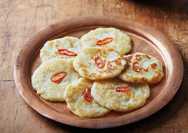 韓綜一日三餐的精髓版!韓式「馬鈴薯煎餅」只要5步驟,根本沒想像中難欸