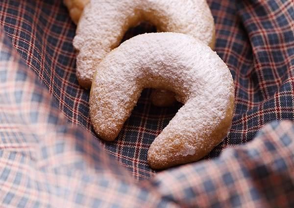 國外節日最愛送的餅乾點心!在家簡單做「香草可頌餅乾」,越吃越刷嘴!