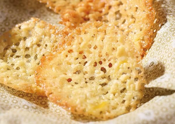 還有洋芋片的唰嘴感?無添加手作餅乾「蕾絲柳橙杏仁薄片」,想有完美弧度只要這3分鐘!