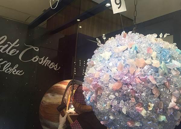 這裡有一個「巧克力宇宙」?!日本超夯的行星糖果,竟然是店員在行星上開採來的?